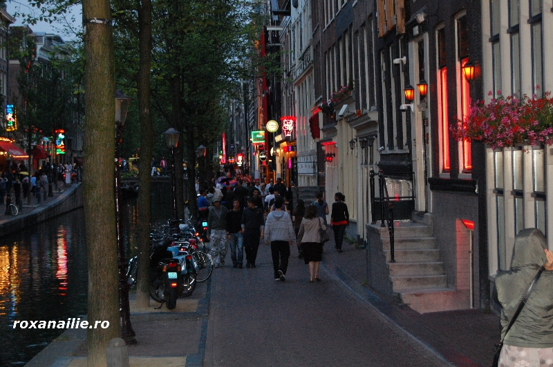 Amsterdam_ the_place_galerie_13.jpg