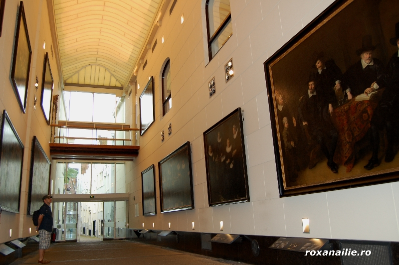 Amsterdam_ the_place_galerie_18.jpg