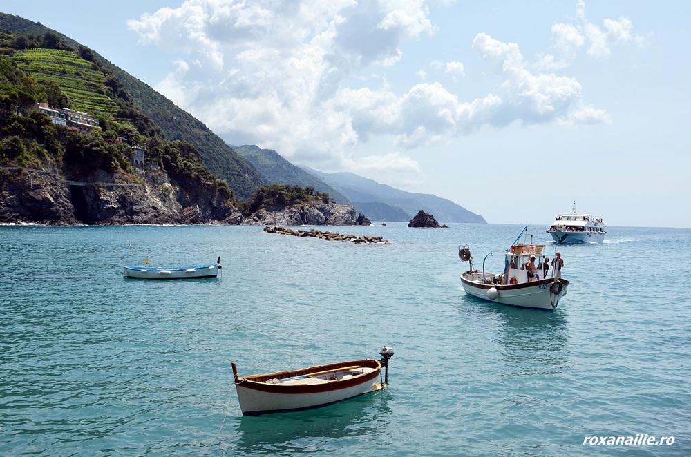 În Monterosso îmi aleg o barcă să-mi legăn albastrul…