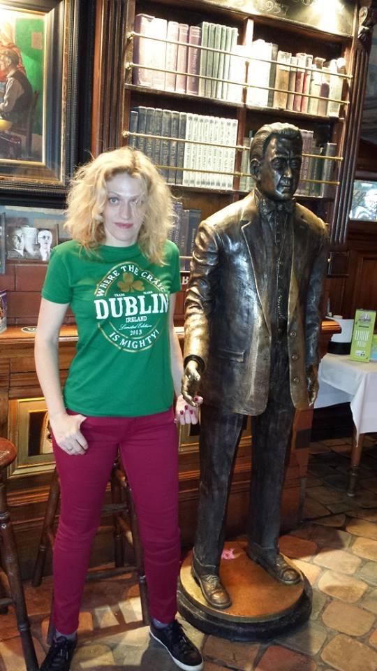 Cu statuile din pub-urile irlandeze poți sta de vorbă doar dimineața..