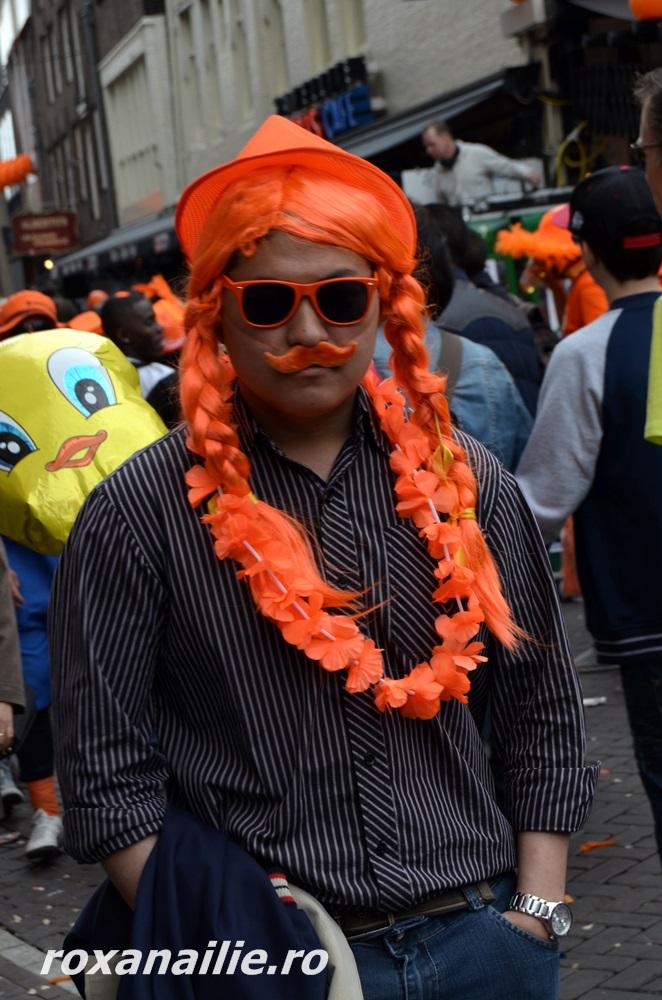 "Mustache-man. Mustăcioara lui, coaja portocalei <img class=""wp-smiley"" src=""/blog/wp-includes/images/smilies/simple-smile.png"" alt="":)"">"