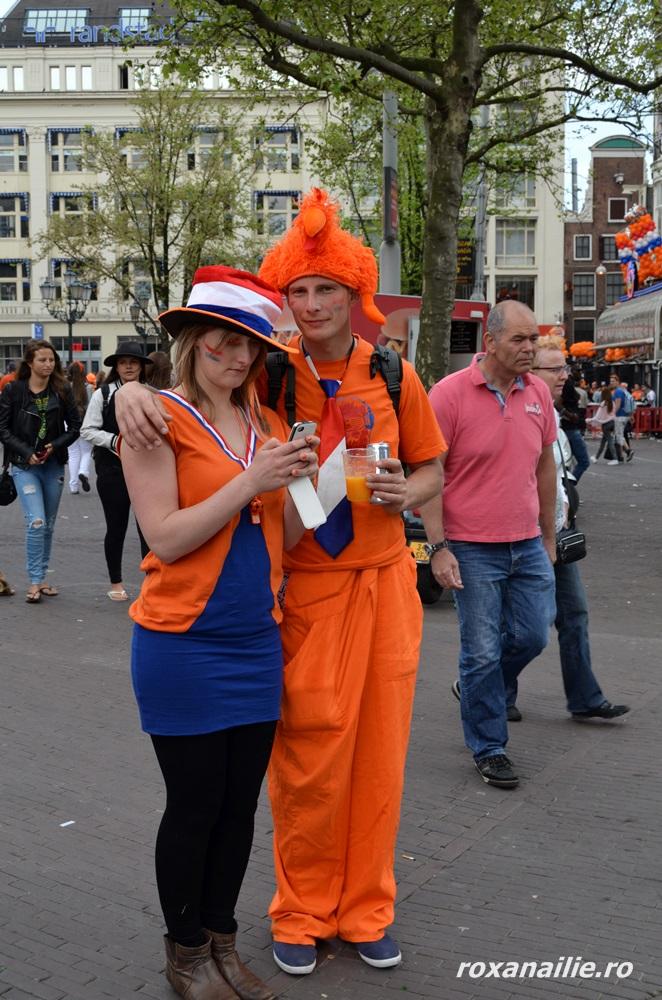 """Un cuplu de vis… portocaliu, albastru și alb <img class=""""wp-smiley"""" src=""""/blog/wp-includes/images/smilies/simple-smile.png"""" alt="""":)"""">"""