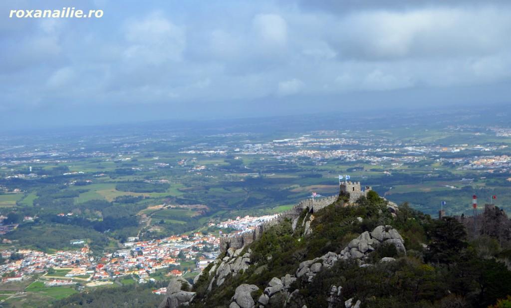Castelul maurilor vazut de la Castelul Pena – o priveliste de neuitat