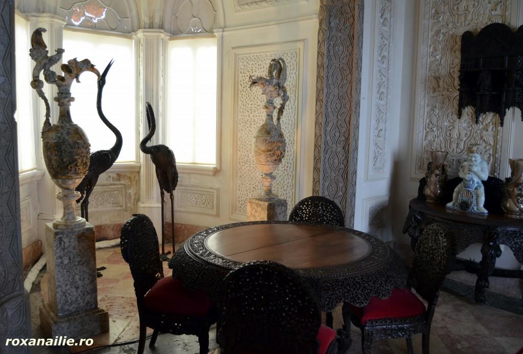 Opulenta exotica in interiorul castelului Pena