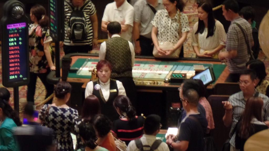 Forfotă mare şi bani mulţi de cheltuit în cazinourile din Macau