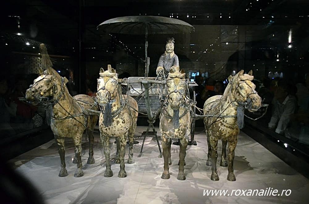 Car de luptă din bronz