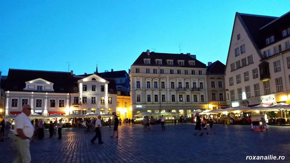 Pe înserat Tallinn se trezește