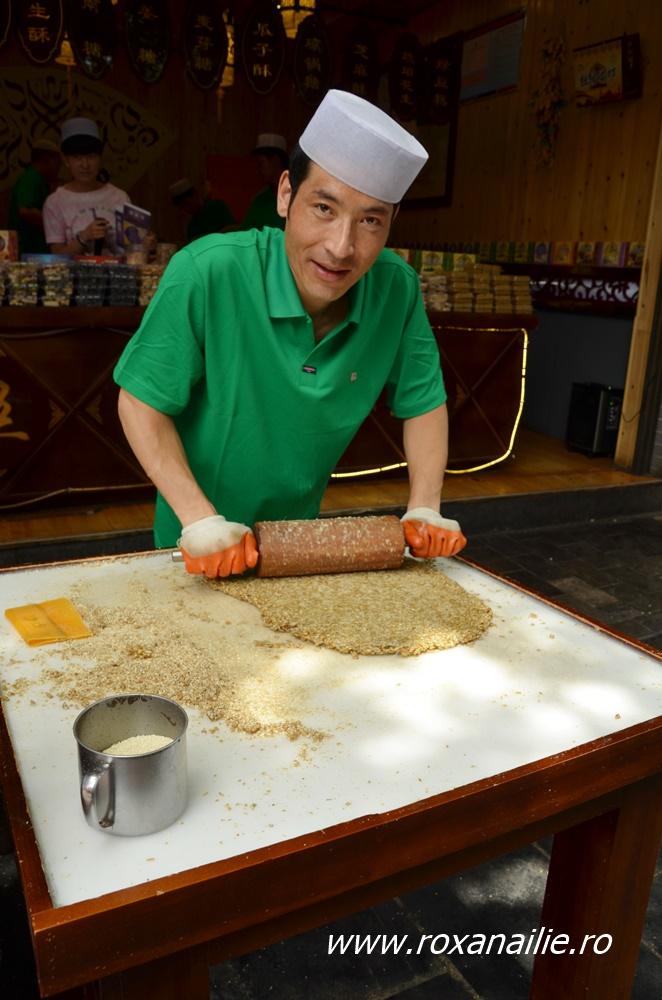 Delicii dulci în bazarul din de lângă moscheea chinezeaca din Xi'an
